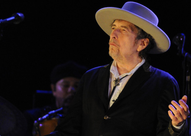 The Nobel Prize committee can't seem get a hold of Nobel Prize-winner Bob Dylan