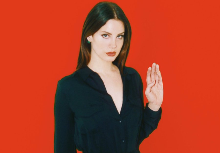 Lana Del Rey is pro-moon magic, anti-Donald Trump
