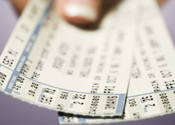 Online ticket touts face unlimited fines in UK