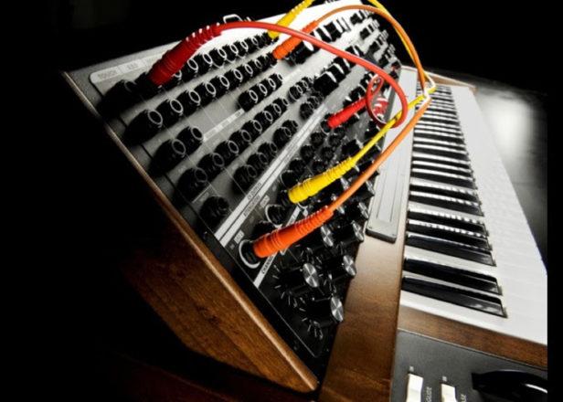 Moog discontinues Minimoog Voyager XL synth