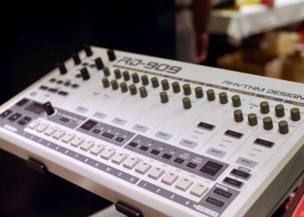 Behringer BD-909