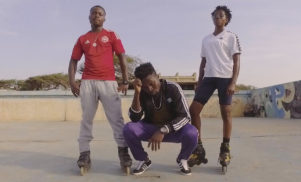 Mina and Bryte dance around Ghana in the 'One Leg' video