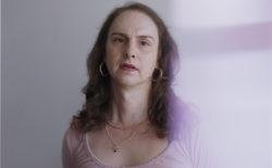 Gavilán Rayna Russom