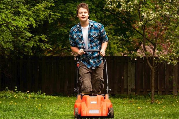 teen mowing-_797431c
