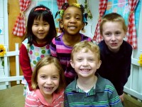 5 smiling kindergarteners