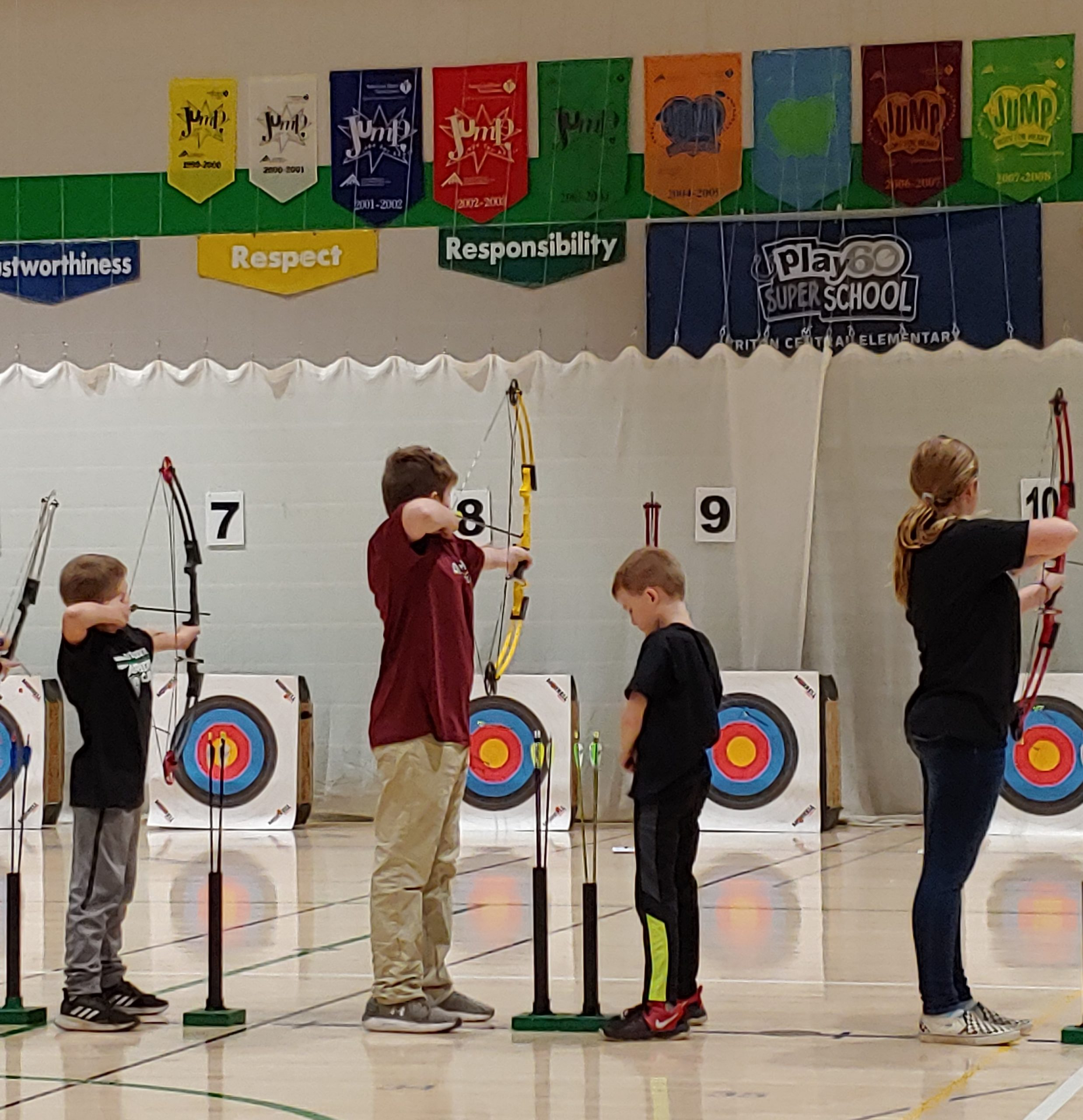Middle School Students in archery practice