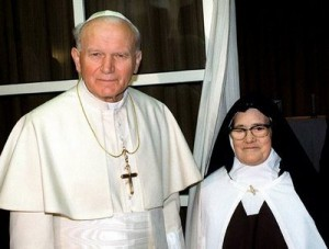 pope-john-ii-and-sisterv-lucia