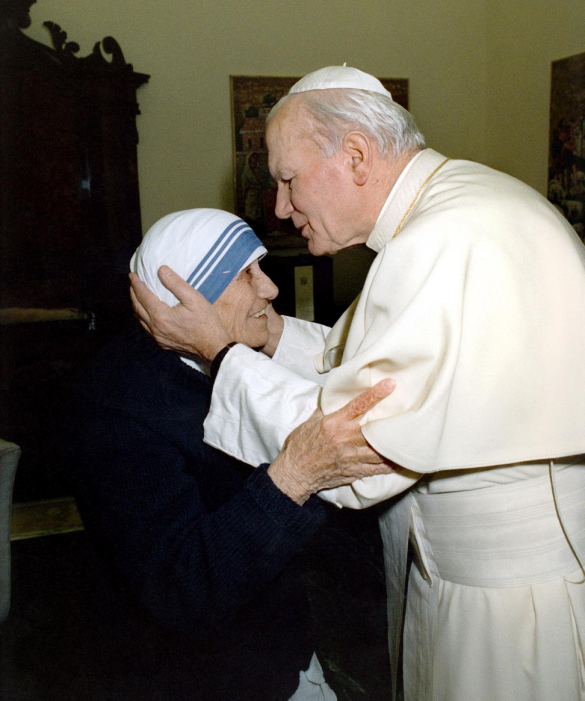 The Footsteps of Saints: Mother Teresa and John Paul II ...