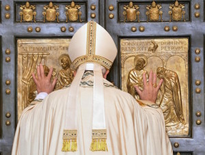 Francis opens the Holy Door
