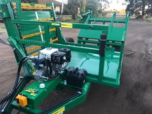 Square Bale Feeder - New Elsworth multi feeder with wireless 13 hp power pack
