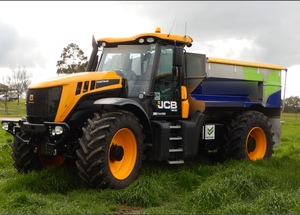 JCB 3230 Fastrac Spreader 2015 model    Selling as a going concern- business included