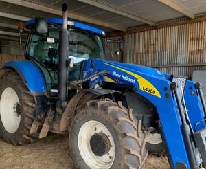 NEW HOLLAND 2010  T7030 Tractor FEL