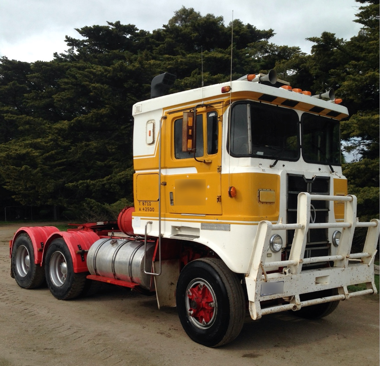 1977 Atkinson Prime Mover With 350 Cummins 15 Speed O/D .LED