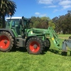 Fendt 820 Vario with Howard FEL