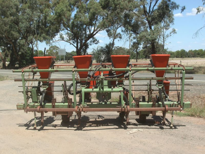 Precision Row Crop Planters Machinery Amp Equipment Tillage