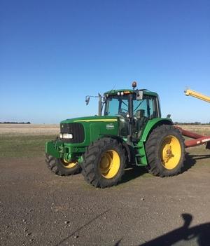 John Deere 7420 Tractor