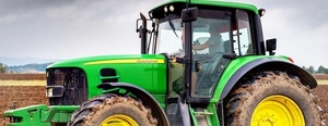 Some American Farmers Are Hacking Their Tractors with Ukrainian Firmware
