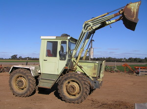 MB TRAC 900 bargain must be sold best offer