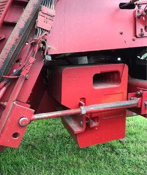 Rear Weights & Bracket For A Case 2188 Header