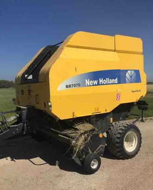 New Holland baler BR 7070