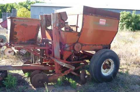 Myers 2 Row Potato Planter Machinery Amp Equipment Tillage