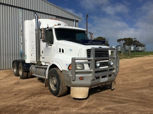 1999 Ford Sterling Prime Mover