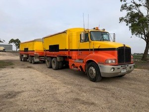 2004 Kenworth T401Truck and Quad Dog Trailer