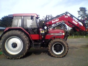 CASE 5140 Tractor with New Burder 9050 Loader, 3rd Function, Bale Forks included,
