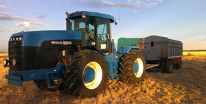 For Sale 1999 New Holland/Versatile Tractor 9882