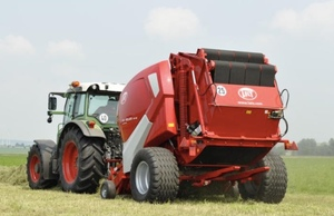 New Round Baler sales crash by 34 percent on last year