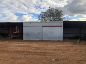 SHED 40m X 7.4m with lock up bay
