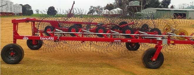 tonutti v12 raptor hay rake for sale with splitter machinery. Black Bedroom Furniture Sets. Home Design Ideas