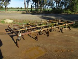 Under Auction - Direct Drill/Minimum Till Undercarriage - 2% Buyers Premium on all Lots