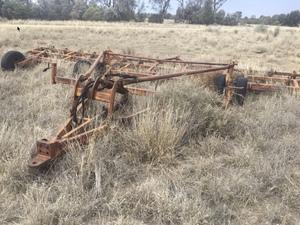 Chisel plow - Scarifier