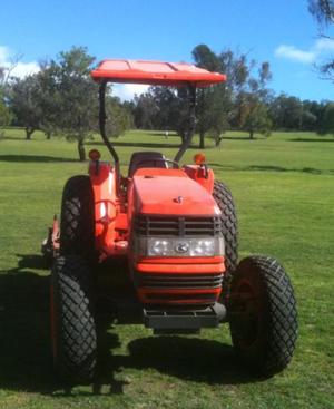 2006 Kubota MX5000 50HP FWA Utility Tractor