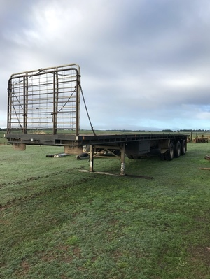 42' OPHEE FLAT TOP TRI AXLE TRAILER