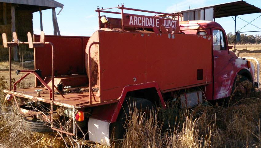 for sale austin fire truck trucks trailers farm trucks. Black Bedroom Furniture Sets. Home Design Ideas