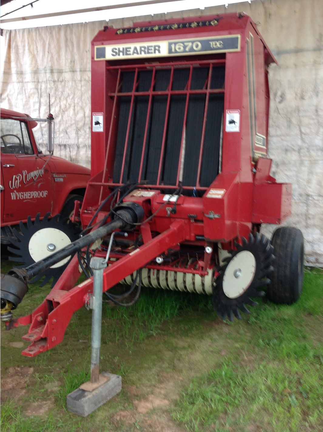 Gehl 1670 Round Hay Baler For Sale