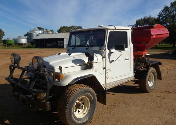 1980 Hj Landcruiser Ute With Mounted Lely Spreader Machinery