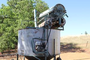 Naughton mobile grain cleaner