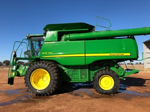 2010 John Deere 9770 STS with 640 Front