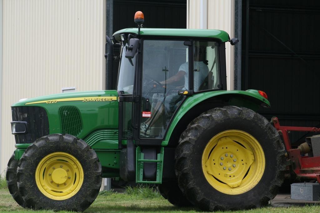 john deere 6220 tractor machinery equipment tractors for. Black Bedroom Furniture Sets. Home Design Ideas