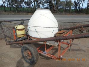Under Auction - Boomspray Trailing 1000 Litre Albulk - 2% Buyers Premium on all Lots