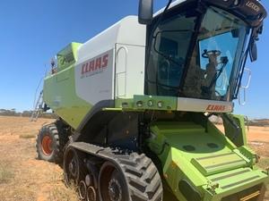 CLAAS 750 TT header / harvester for sale