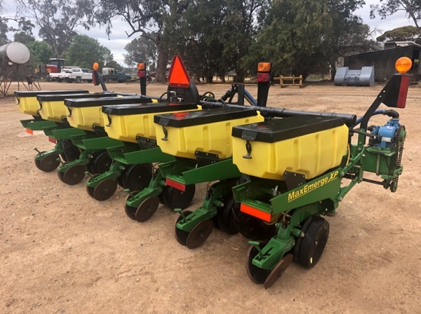 John Deere 1700 Maxemerge Xp Planter Machinery Amp Equipment