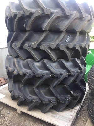 FIRESTONE 520/85R42 RICE SPEC HEADER TYRES