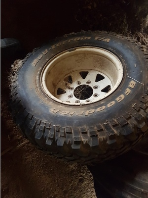 F250 tyres and rims to fit 2 metre centres
