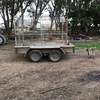 Tandem trailer with stock crate