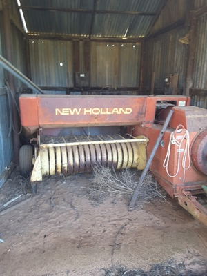 New Holland 317