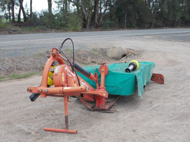 Drawer 9) taarup disc mower 204 206 farm equipment brochure.